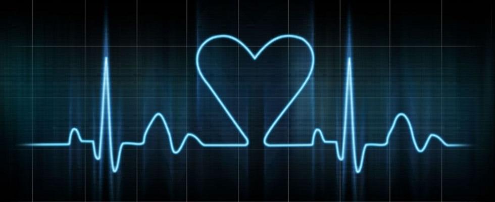 elettrocardiogramma cuore innamorato
